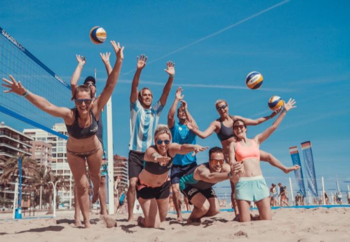 Beachvolleybal, beachreis, beachvakantie.