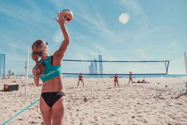 Op beachvolleybalreis op Sunsation Beach in Spanje.